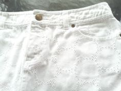 Lilly Pulitzer Womens Skirt White Eyelet Denim  Size 4  Excel. Condition