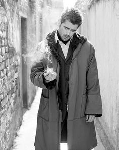 Colin Farrel or Percival Graves in the muggle New York?