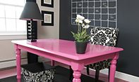 Love the pink desk!