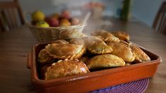 [Homemade] Argentinian Empanadas : food South American Dishes, Food Names, Recipe Images, Food Industry, Chef Recipes, Empanadas, Types Of Food, Meals For One, Empanada