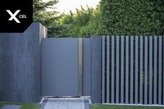 Gate Designs Modern, Modern Fence Design, Main Gate Design, Door Gate Design, Backyard Fences, Outdoor Landscaping, Compound Wall Design, Metal Gates, Sliding Gate