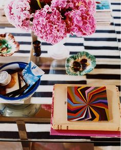 New dream side-hustle: interior design photographer. Photo by Melanie Acevedo (who's also responsible for that amazing Domino Magazine feature on Jenna Lyons' crib) Coffee Table Vignettes, Coffee Table Styling, Decorating Coffee Tables, Funky Home Decor, Home Goods Decor, Blue Hydrangea, Hydrangeas, My Living Room, Living Spaces