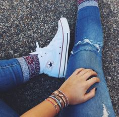 Pura Vida🤙🏽✌🏽😍Omg! I love this pic so much and the converse and socks in fleek🔥🔥😍😍