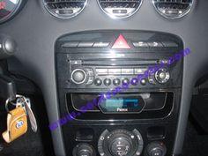 Parrot MK6000 installato su Peugeot 308