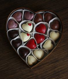 Valentine's Day isn't complete without indulging in some of the finest white, dark and milk chocolates. Valentine Chocolate, Chocolate Hearts, I Love Chocolate, Chocolate Gifts, How To Make Chocolate, Homemade Chocolate, Chocolate Lovers, Artisan Chocolate, Handmade Chocolates