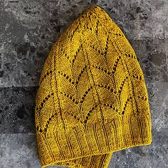 The Gluma Beanie is a slouchy, lightweight hat that fits a wide range of heads. The lace pattern allows for a nice drape, and results in a beautiful crown. Knitted Fabric, Knitted Hats, Knit Crochet, Malabrigo Sock, Crazy Hats, Beanie Pattern, Lace Patterns, Finger Weights, Ravelry