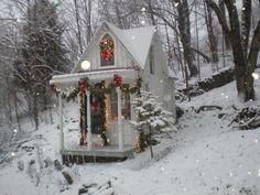 Tiny house Christmas scene. So inviting and pretty. #tinyhouse #Christmas #winterscene