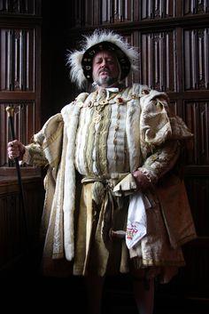 Past Pleasures at Hampton Court Palace Tudor Series, Elizabethan Costume, Tudor Era, Hampton Court, Renaissance Fashion, Jacobean, Period Costumes, French Fashion, Traditional Dresses