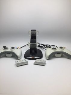2-Genuine-Official-microsoft-white-xbox-360-wireless-controllers-Gamexpert-Doc