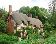 It's a beautiful world  Anne Hathaway's Cottage in Stratford-upon-Avon, England (by Andreadm66).