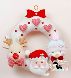 Toy Art, Erica Catarina, Rena, Pillows, Toys, Christmas, Stuffed Toy, Instagram, Felt Wreath