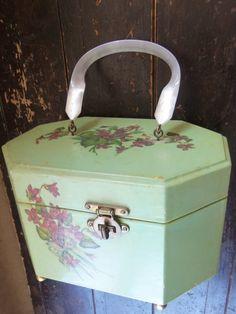 unique vintage purses | unique vintage train case purse