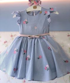 Dresses For Kids – Lady Dress Designs Kids Frocks, Frocks For Girls, Little Dresses, Little Girl Dresses, Girls Dresses, Baby Girl Fashion, Toddler Fashion, Kids Fashion, Baby Dress Design