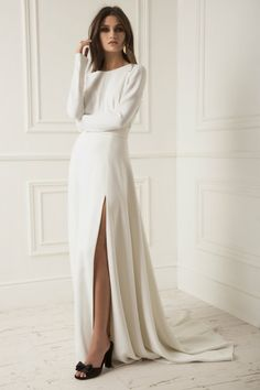 Lihi Hod Wedding Dresses And And 2019 Collection ★ straight high slit long sleeves simple with train lihi hod wedding dresses Plain Wedding Dress, Dream Wedding Dresses, Wedding Gowns, Wedding Dress Casual, Bridal Skirts, Bridal Gowns, Dress For You, Gowns With Sleeves, Short Sleeve Dresses