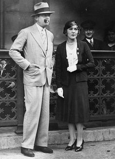 """gregorypecks: """" """"Mary Pickford at Union Station with Douglas Fairbanks, """" """" Hollywood Couples, Vintage Hollywood, Douglas Fairbanks, Mary Pickford, Star Family, Photographs Of People, Union Station, Famous Couples, Female Stars"""