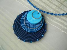 """Best 12 A necklace with a lot of """"personality"""" macadamiarep.- Best 12 A necklace with a lot of """"personality"""" macadamiarepublic handmade … Best 12 A necklace with a lot of """"personality"""" macadamiarepublic handmade hechoamano cro … – cro - colgar Macrame Necklace, Macrame Jewelry, Fabric Jewelry, Diy Necklace, Diy Jewelry, Jewelery, Crochet Necklace, Handmade Jewelry, Crochet Flower Tutorial"""
