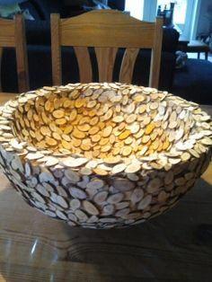 skål med træ skiver