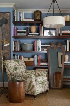 Check out those bookshelves