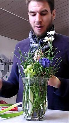 Deco Floral, Arte Floral, Dollar Tree Christmas, Christmas Diy, Flower Centerpieces, Flower Decorations, Easter Templates, Flower Art Images, Flower Packaging