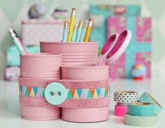 cute way to spice up your desk and organise your stationary!