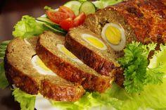 Pečená fašírka plnená vajíčkom | Pečené-varené.sk Slovak Recipes, Cooking Recipes, Healthy Recipes, What To Cook, Meatloaf, Sandwiches, Food And Drink, Menu, Baking