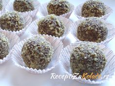 Cokoladne kuglice sa orasima http://www.receptizakolace.rs/kolaci-recepti/sitni-kolaci-recepti/9-cokoladne-kuglice-sa-orasima