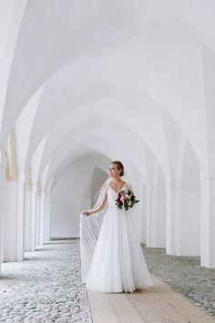 Salzkammergut Wedding Schlosshotel Mondsee Sound of Music wedding church Wedding Church, Wedding Night, Dream Wedding, Wedding Planner, Destination Wedding, Wedding Venues, Bride Portrait, Wedding Portraits, Fragrant Roses