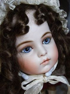 If I could only have one antique doll, it would have to be a Bru. Since I'm only dreaming, I can have them all!