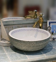 Europe Vintage Style Ceramic Art Basin Sinks Counter Top Wash Basin Bathroom…