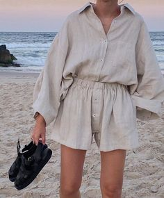 From Lucy Williams to Brittany Bathgate, influencers agree shorts and button-down shirts create the ultimate summer outfit combination. holidays quotes The Outfit Combo That Will See You Through Summer 2 Piece Outfits, Boho Outfits, Fashion Outfits, Womens Fashion, Fashion Trends, Teen Outfits, Teen Fashion, Korean Fashion, College Fashion