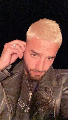 Maluma Haircut, Maluma Pretty Boy, Latin Artists, Latino Men, Becky G, Perfect Boy, Papi, Haircuts For Men, Gorgeous Men