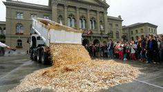"""Am Sonntag kommt in der Schweiz die eidgenössische Volksinitiative """"Für ein bedingungsloses Grundeinkommen"""" zur Abstimmung. Die Initiative verlangt die Aufnahme eines neuen Artikels in die Bundesve…"""