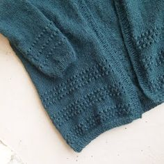 Pull Angora, Diy Crochet, Knitted Hats, Pullover, Knitting, Sweaters, Cardigans, Rose, Coups