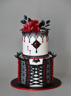 Cake Wrecks - Home - Sunday Sweets: Spooky Elegant Halloween Cakes Cake Wrecks - Home - Sunday Sweets: Spooky Elegant Halloween Cakes Pretty Cakes, Beautiful Cakes, Amazing Cakes, Cupcakes, Cupcake Cakes, Shoe Cakes, Gothic Birthday Cakes, Goth Cakes, Gothic Wedding Cake