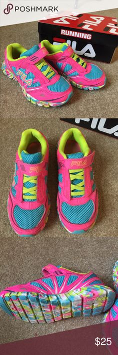 Girls Volcanic Runners Velcro strap. NM Fila Shoes Sneakers