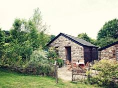 Willow Cottage, high on the hill a sweet little stay just for two