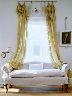 An interesting way to do curtains. Not sure I like it even, but worth pinning to remember the option.