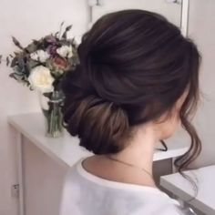 hair medium length updo wedding hair updos hair idea hair and makeup cost wedding hair kardashian wedding hair hair styles for curly hair hair with flower Bride Hairstyles, Easy Hairstyles, Hair Upstyles, Hair Videos, Hair Hacks, Hair Inspiration, Curly Hair Styles, Hair Makeup, Hair Cuts