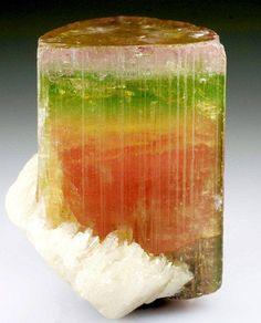 Tourmaline var. Elbaite crystal with Albite var. Cleavelandite