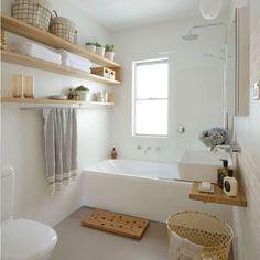 Buenos días!!! Seguro que cuando veis estas propuestas, os gustaría tenerlo en vuestro hogar... Pues no es tan complicado, la base no puede ser mas sencilla, la diferencia está en los detalles! Qué paséis un día estupendo #bathroom #baño #bañonordico #vintagebathroom #details #nordicstyle #noretnic #cesto #capazo #homesweethome #home #jabon #savon #ikea #ikeabathroom