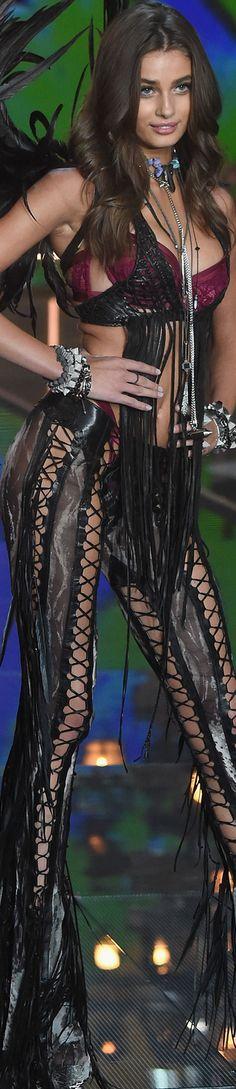 Taylor Hill 2015 Victoria Secret Fashion Show
