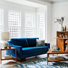 Tips That Help You Get The Best Leather Sofa Deal. Leather sofas and leather couch sets are available in a diversity of colors and styles. A leather couch is the ideal way to improve a space's design and th Home Living, Living Room Sofa, Sleeper Sofas, Best Leather Sofa, Blue Couches, Mid Century Sofa, Home Trends, Rugs, Ideas