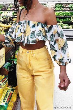 Product Name:Banana Print Crop Top, Category:top_blouses, Look Fashion, Fashion Outfits, Fashion Trends, Teen Girl Fashion, Womens Fashion, Summer Outfits, Cute Outfits, Look Girl, Inspiration Mode