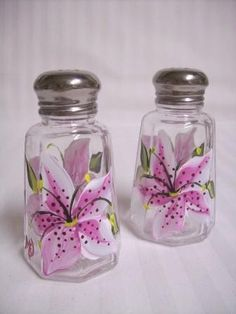 Stargazer Lily Salt and Pepper Set by Morningglories1 at Etsy