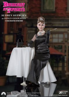 Breakfast at Tiffany´s Breakfast at Tiffany's MFL Action Figure Holly Golightly (Audrey Hepburn) Deluxe Ver. Blake Edwards, Holly Golightly, Breakfast At Tiffany's, Audrey Hepburn Breakfast At Tiffanys, Beloved Film, Film Icon, Living Dead Dolls, Hollywood, Free Girl