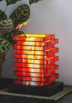 6 Astounding Unique Ideas: Small Lamp Shades Inspiration lamp shades diy from sc… - Neues Modell Lampe Stained Glass Lamp Shades, Stained Glass Light, Stained Glass Projects, Stained Glass Patterns, Leaded Glass, Mosaic Glass, Fused Glass, Small Lamp Shades, Glass Art Pictures