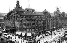 Das Kaufhaus Tietz mit Kopfbau und seiner langen Front zur Alexanderstraße, 1930