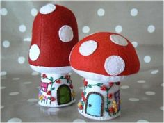 toadstool cottage and mushroom house pincushions - free downloadable pattern and tutorial