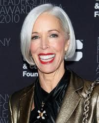 love her hair, love her red lipped million dollar smile even more