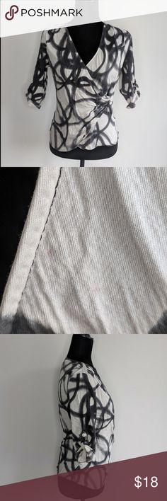 91a28de113b Kenneth Cole Black  amp  White Wrap Blouse Silk Blend Kenneth Cole Women s  Size 6 3